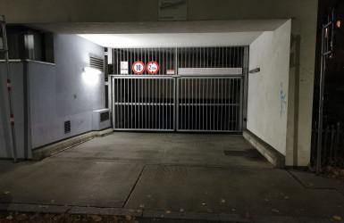Einfahrtstor Tiefgarage Arndtstraße 42